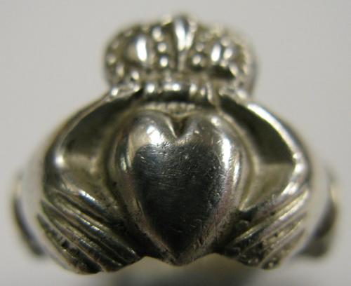 Date: ?Type: Claddagh RingFound by: ?